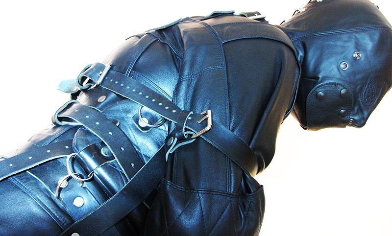Zwangsjacke aus Leder